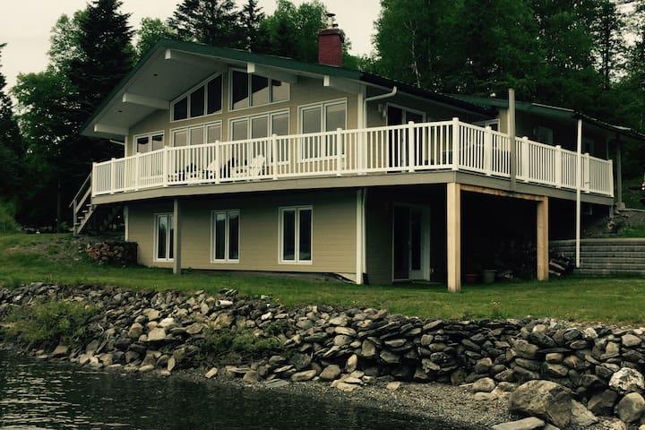 Baker Lac 4 season cottage