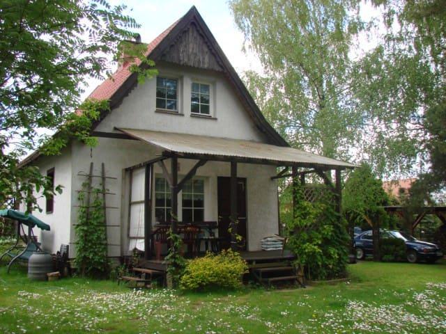 Rustic lakehouse in Nowa Wieś - Nowa Wieś Ostródzka - Dům