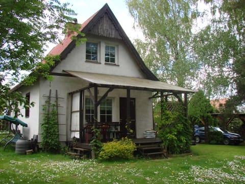 Rustic lakehouse in Nowa Wieś