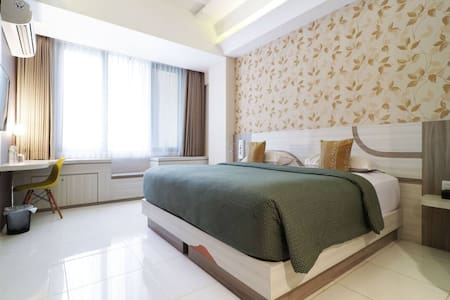 Deluxe Room at Dewarna Hotel & Convention