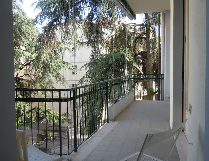 ...with balcony