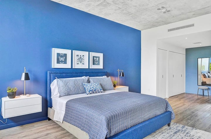 Stunning Design District 1 bedroom Apartment 300