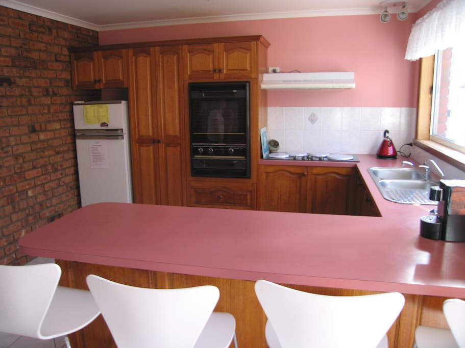 A very spacious kitchen