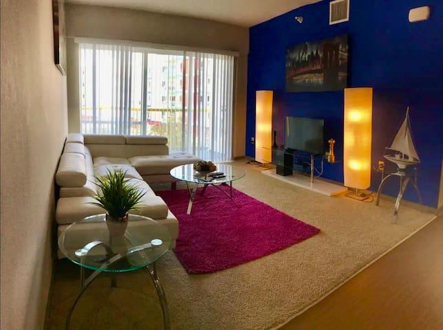 Cozy Home In Venice Beach, 3 Queen beds, 2Bedrooms