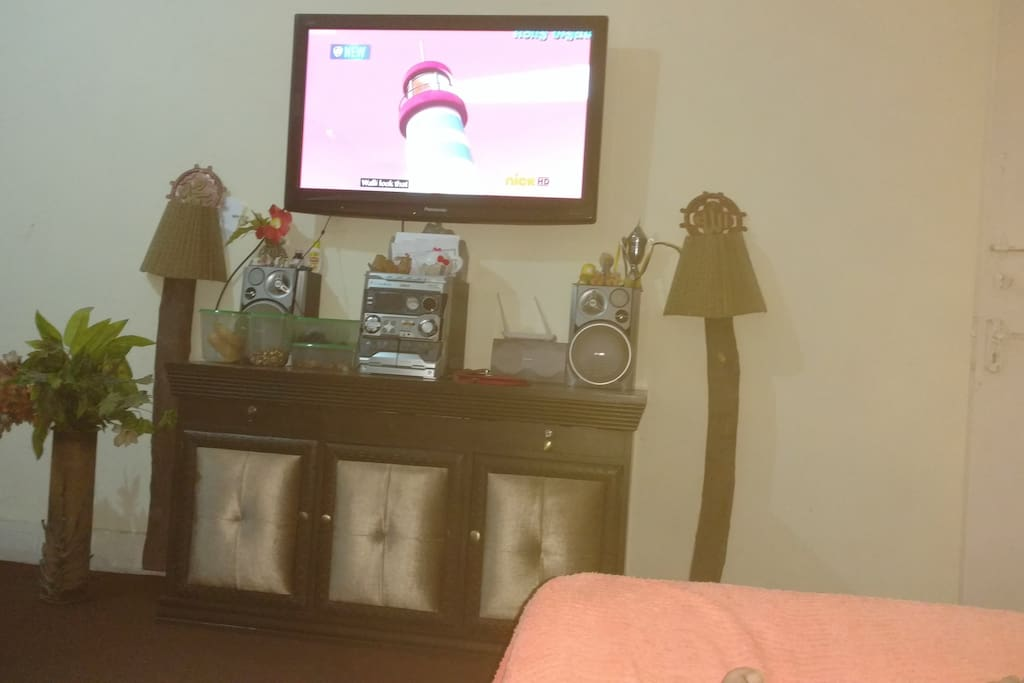 Sitting area with tv N wifi