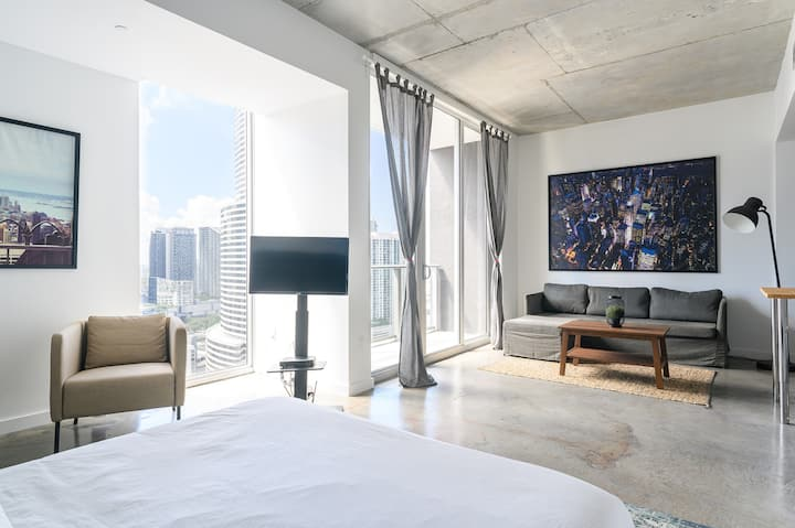Best Location at Downtown Miami 2!