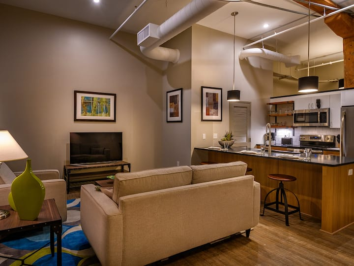 Incredible apartment home | 1BR in Canton