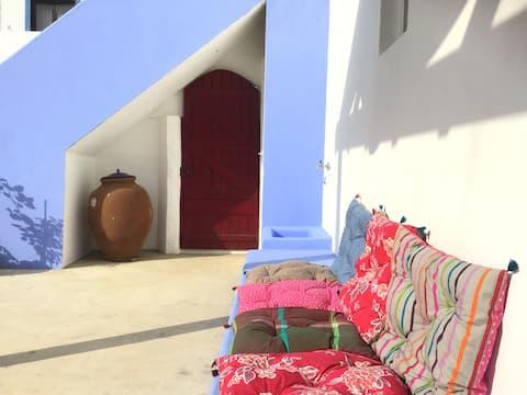 Casas do pátio, Milfontes (casa amarela)