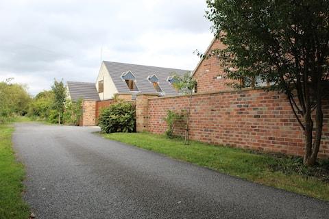 Luxury Studio/ Loft @ Aston on Trent