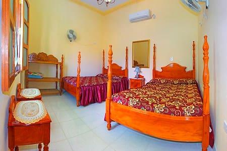 Hostal Sra. Olga Sanchez Bastida - Trinidad - Hostel