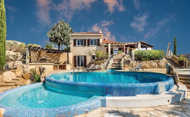 ★★★★ Vacation Like The Gods! 4-bedroom (up to 10 guests) panoramic seaview villa with infinity pool by Paphos4U.Club