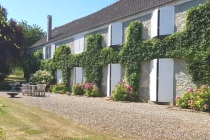 Maison familiale entre Monfort l Amaury et Thoiry