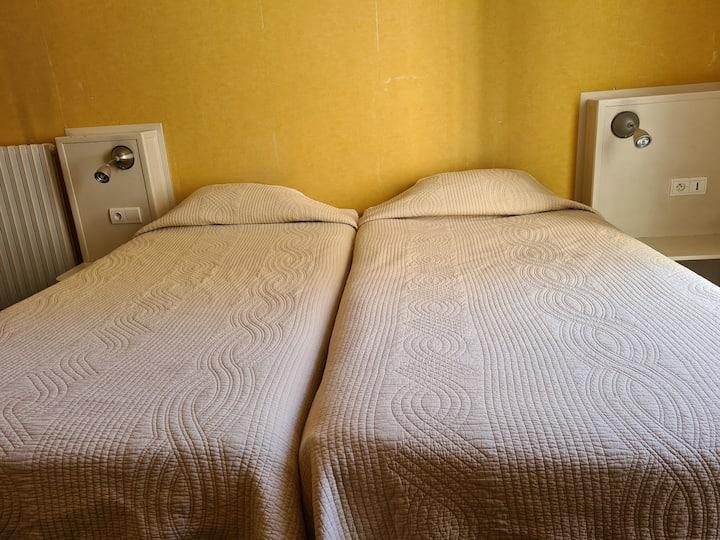 Room with twin single beds, Saint-Germain des Prés