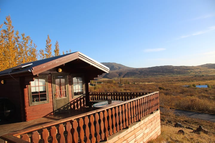 Golden Circle, cozy cabin for two Free Wi-Fi