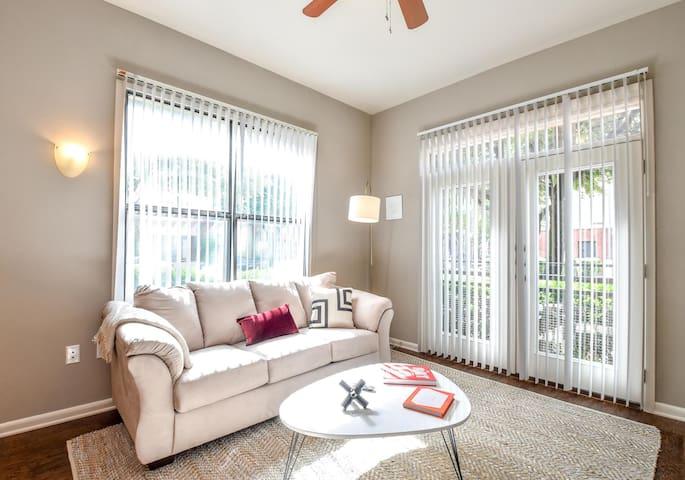Kasa | Plano | Luxurious 1BD/1BA Apartment