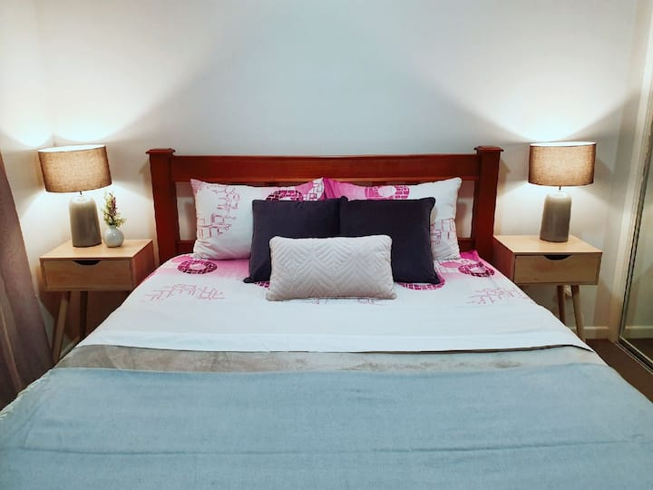 Queen bed with private  bathroom in new apartment