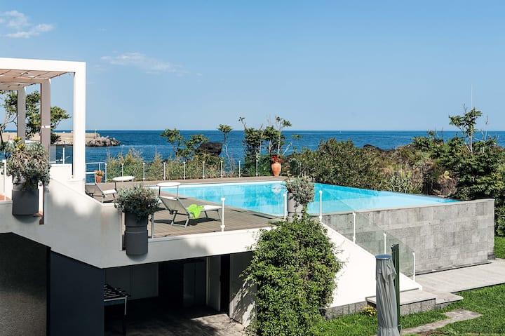 Villa Anemone - Razza