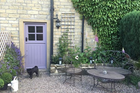 Chocolate-box cottage in Holmfirth - Holmfirth - Kabin