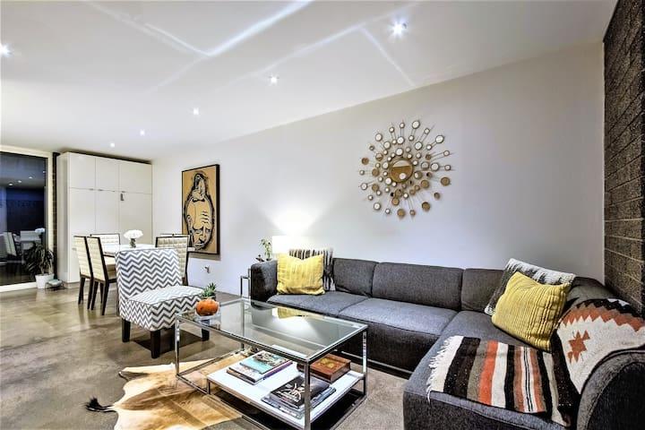 Elegant & Modern Arcadia Condo