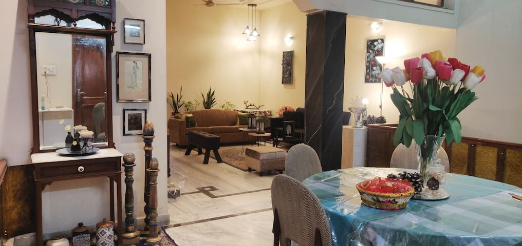 Chinar Homes-A wi-fi Boutique Stay & family Suite