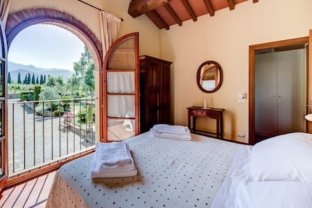 Apartments in The Chianti with pool - Reggello