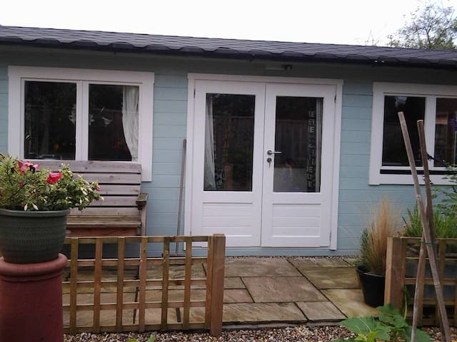 Greyhound Cottage Cabin - Claydon - Departamento