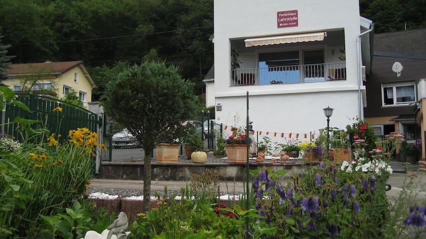 Ferienhaus Lahnidylle ( 3 Sterne ) - Dausenau - House