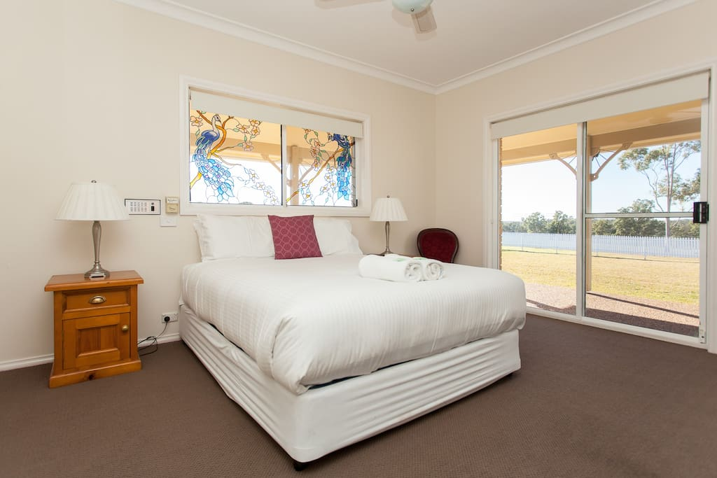 Master queen bedroom with ensuite