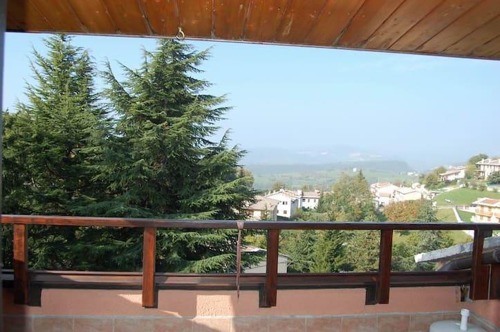 Appartamento in residence con parco - Cerro Veronese - Lejlighed