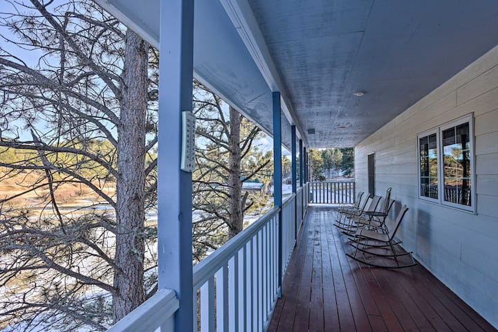 Spacious Retreat w/ BBQ - 15 Miles to Mt Rushmore!