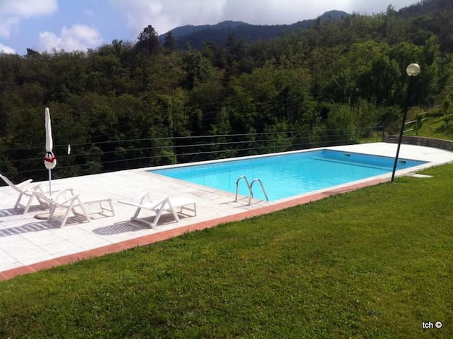 BETULLA apartment whit swimming pool - Carro - Daire