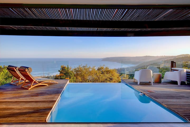Villa with 180° sea & lagoon view and heated pool
