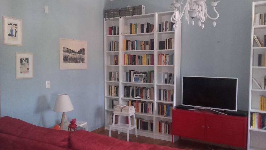 Cosy apartment near Lucca Walls