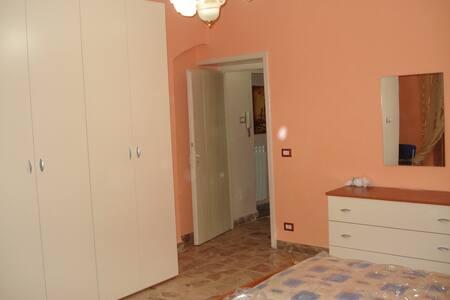 Doublebedroom in CC - Caltanissetta - Caltanissetta