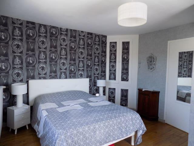 Nalliers (Vendée) : chambre ds maison individuelle