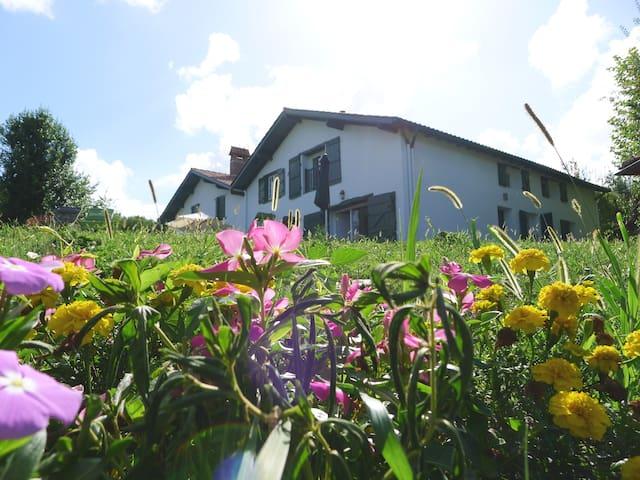 Barcarola, charming basque cottage