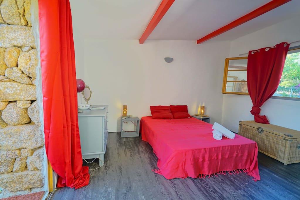 Chambre 2 personnes lit en 140x190 avec SDB privative