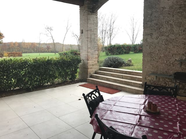 Great chateau apartment - Castelnau-Montratier - Penzion (B&B)