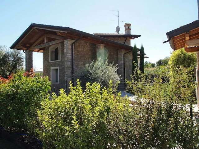 Exclusive Villa near lake Garda