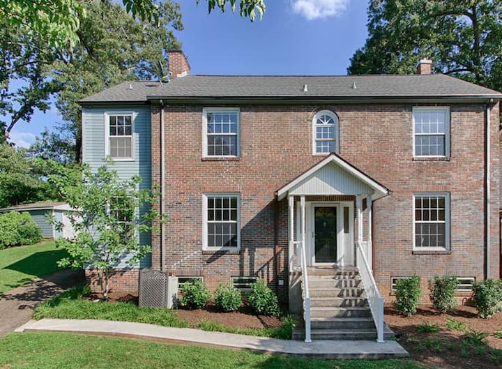 Historic Home Near Downtown Knoxville (shared)