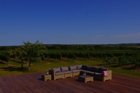 Bordeaux vineyard B&B nr St Emilion - Bed & Breakfast