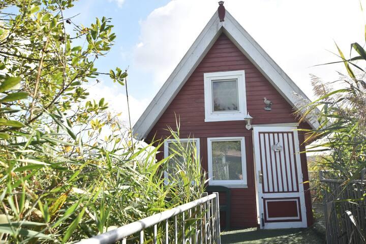 Gemütliches Ferienhaus mit eigenem Anlegesteg in Sternberg