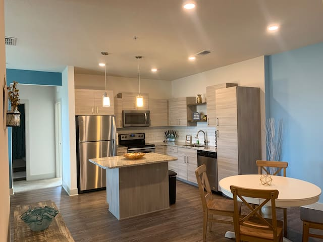 Resort style 3 BR minutes from Disney/Universal