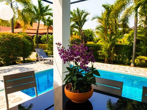 Pool villa in Seabreeze Residence, Mae Phim Beach