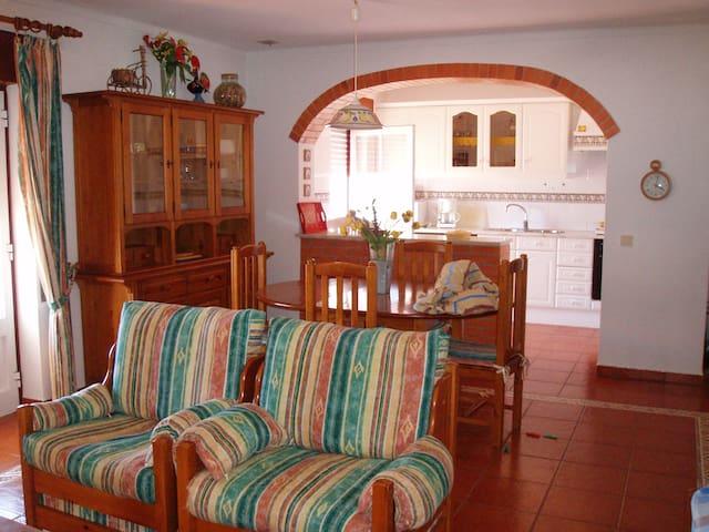 Apartamento T2+1 a 150m da Praia em Porto Covo