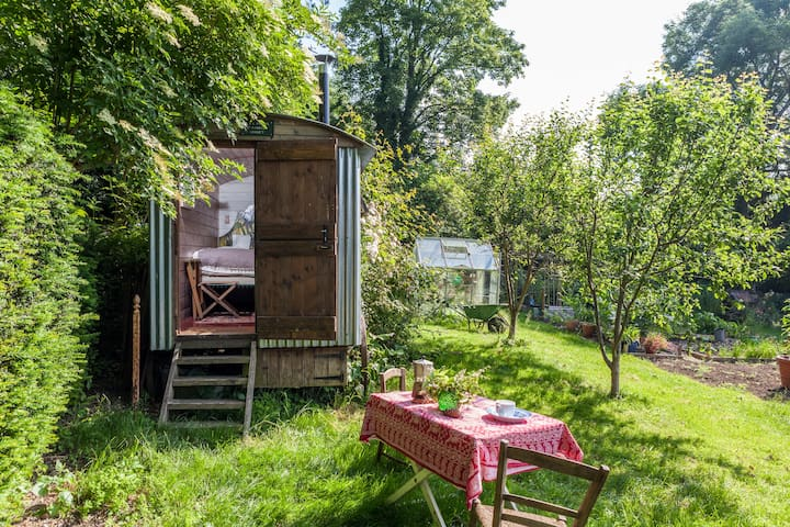 Shepherds hut in a beautiful garden - Dorset - Pondok