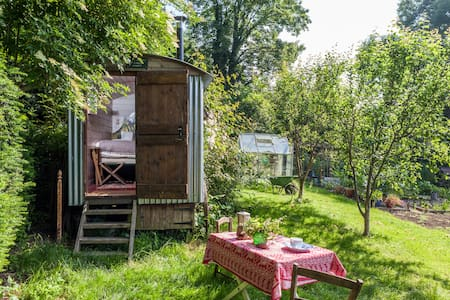 Shepherds hut in a beautiful garden - Dorset - กระท่อม