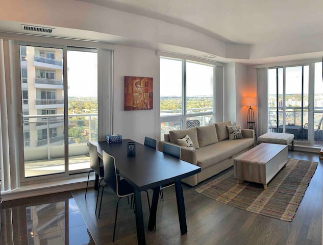 Yonge Street Brand New Condo with Great View!