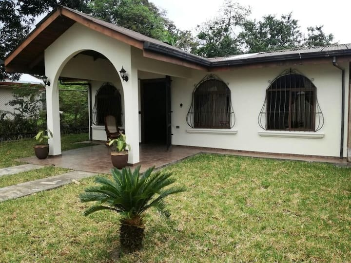 Colonial House (Equipped house), La Fortuna.