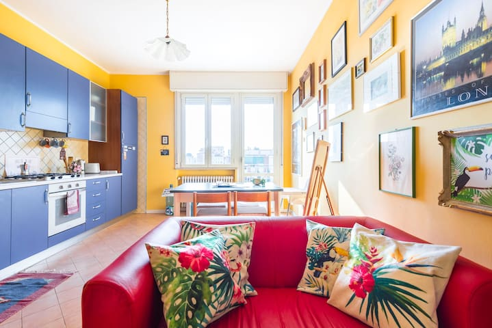 Bright flat with view, close to the City Centre.